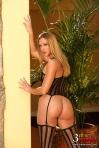 Lauren Phoenix2