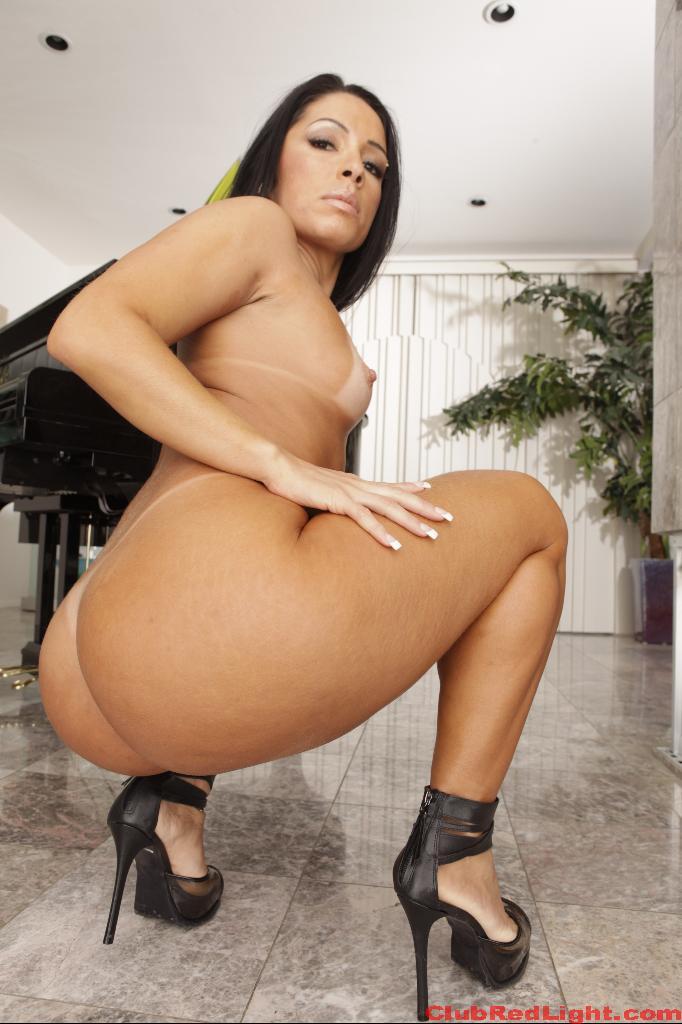 Monica Santhiago Videos and Photos